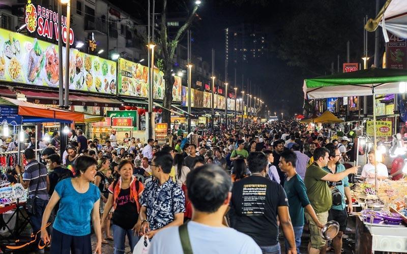 غذاهای مالزی در خیابان جالان آلور کوالالامپور