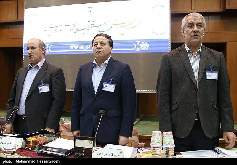 لاریجانی در دیدار با مسئولان فدراسیون فوتبال: شامل حال قانون منع به کار گیری بازنشستگان می شوید، فوتبالی ها یکشنبه هم به مجلس می روند