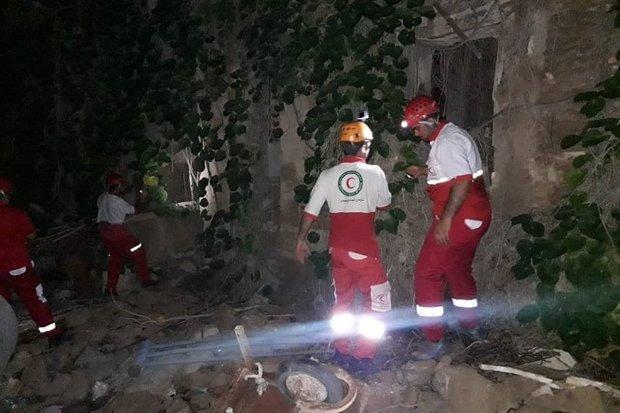 ریزش ساختمان قدیمی در بوشهر، یک نفر از زیر آوار بیرون کشیده شد