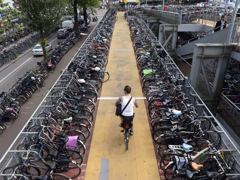 چرا به هلند پایتخت دوچرخه سواری جهان می گویند؟