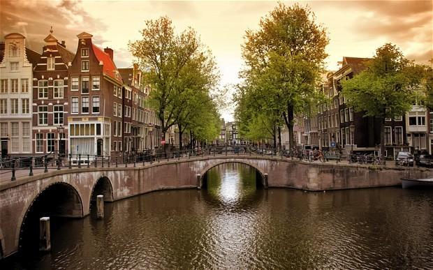 سفر به آمستردام هلند از نگاه فیلم The Fault in Our Stars