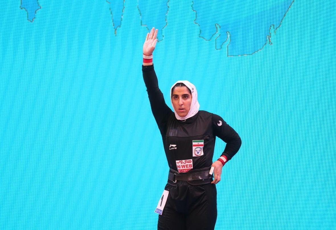 الهام حسینی در صندلی شانزدهم وزنه برداری قهرمانی دنیا