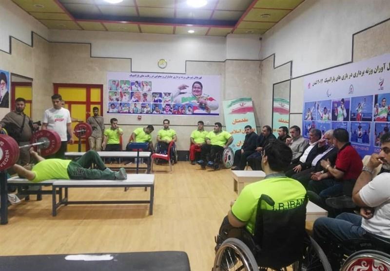 بازدید محسن هاشمی از اردوی تیم های وزنه برداری و تنیس روی میز معلولان