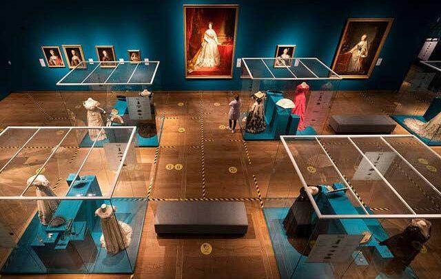 درهای موزه هرمیتاژ آمستردام باز شد
