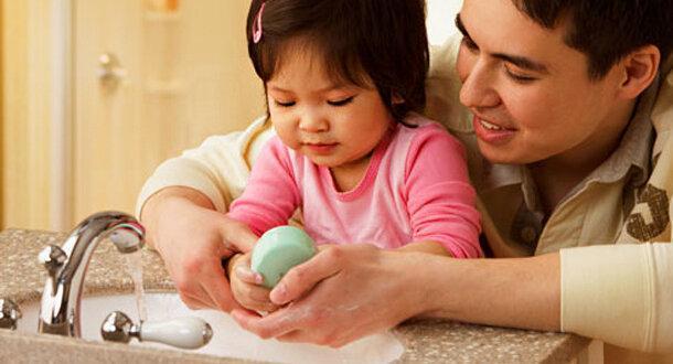 نکات مهم درباره آموزش شستن دست ها به بچه ها