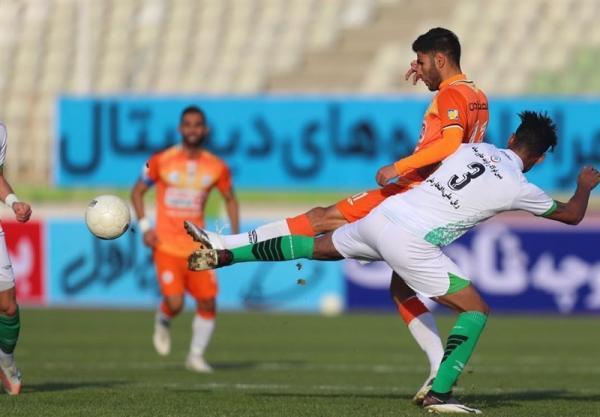 لیگ برتر فوتبال، فزونی ذوب آهن و تساوی سایپا و گل گهر در نیمه اول