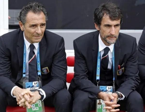 پین زیر سایه استراماچونی، هوای فوتبال ایتالیایی در استقلال